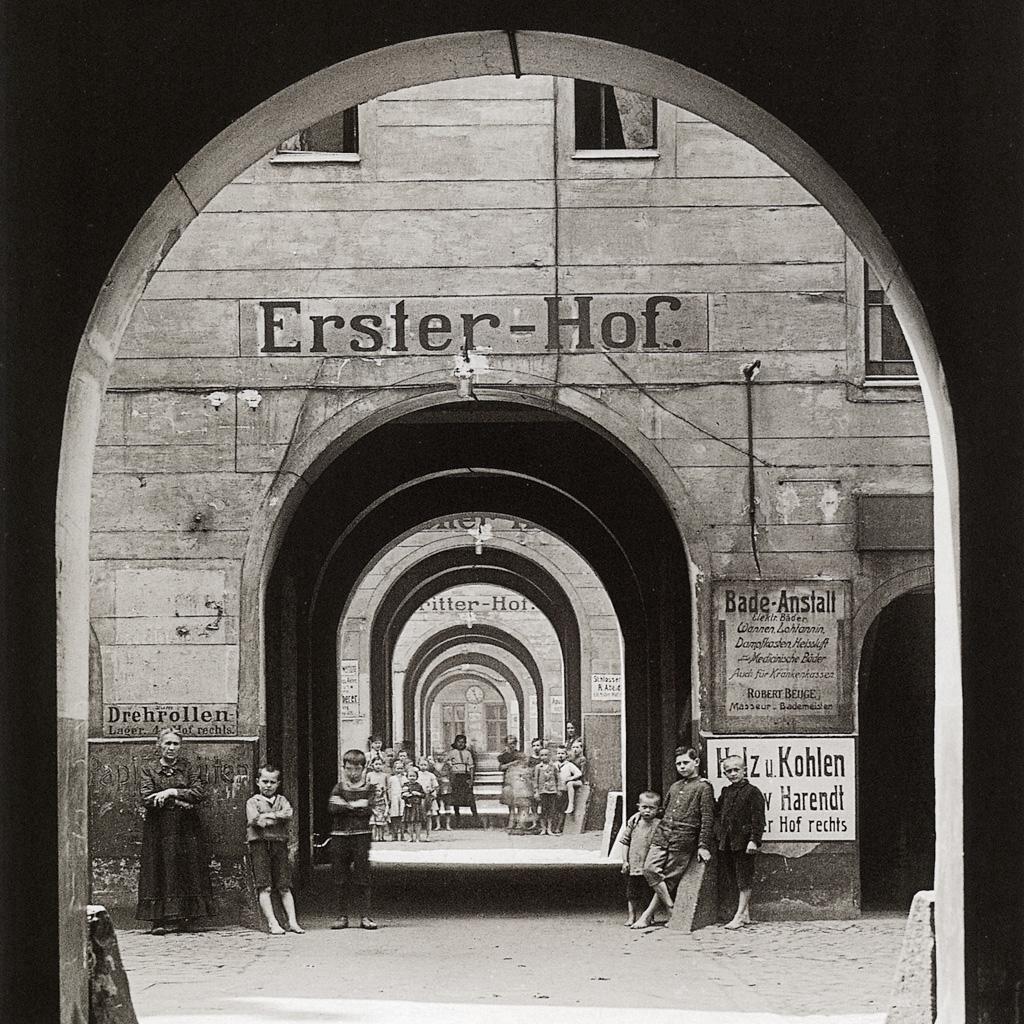 Foto einer typischen Berliner Hinterhöfe